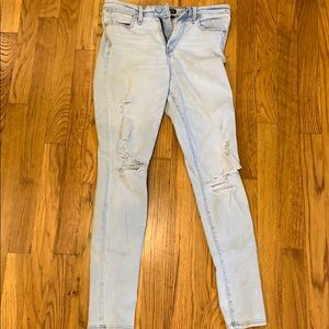 Abercrombie light colored jeans